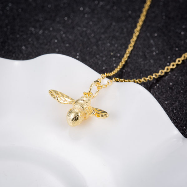 honey bee necklace gold