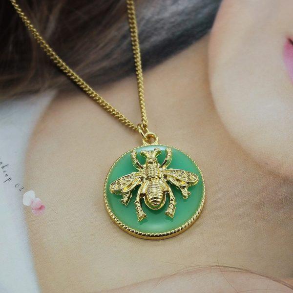 pandora queen bee necklace